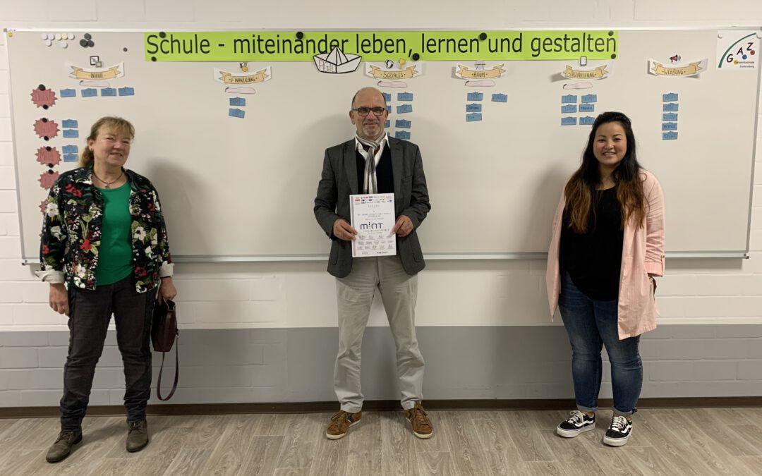 """Ehrung der GAZ als """"MINT-freundliche Schule"""""""
